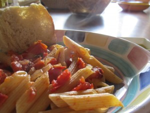 Pasta with Fresh Tomato and Basil Sauce