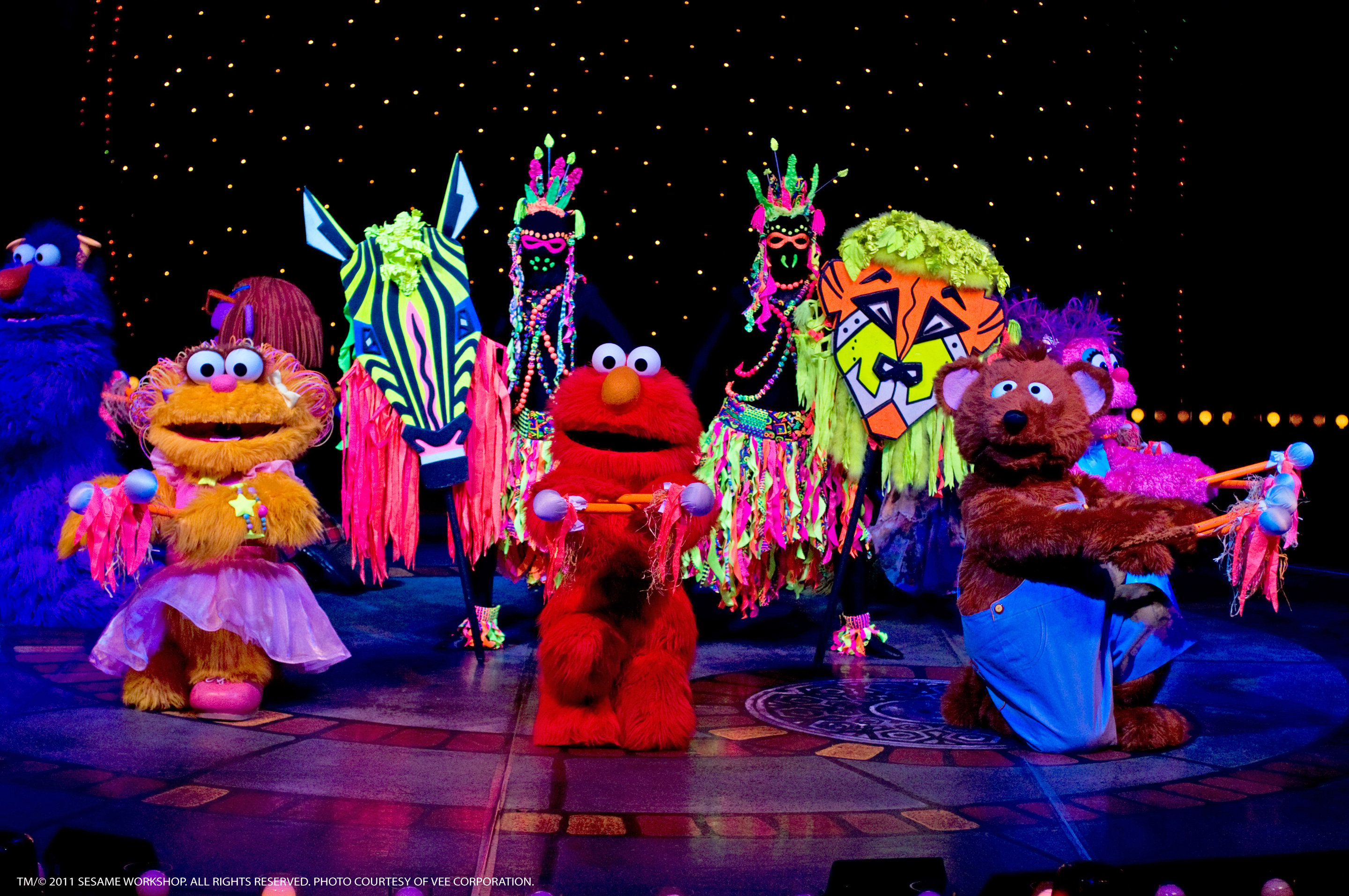 Sesame street live 1 2 3 imagine with elmo friends the sunny seats package includes a vip seat and a pre show meet greet photo opportunity with two sesame street live friends m4hsunfo