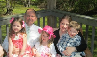 Wordless Wednesday: An Easter Family Picture