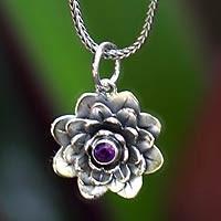 NOVICA Gift Finder